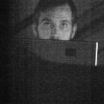 SHRUBBN!! & TRANSFORMA: Echos, Luke (TRANSFORMA), der Mann für die Visuals hat sich weit abseits der Bühne 'versteckt'